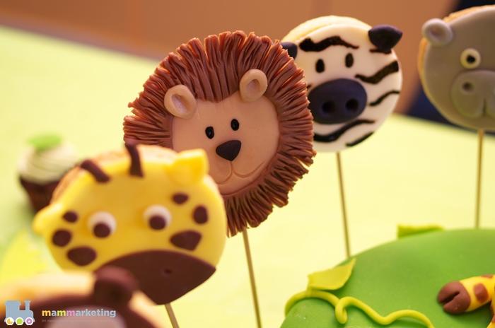 Biscotti su stecco in cioccolato plastico