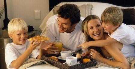 Colazione a domicilio un 39 idea per un dolce risveglio - Colazione al letto ...