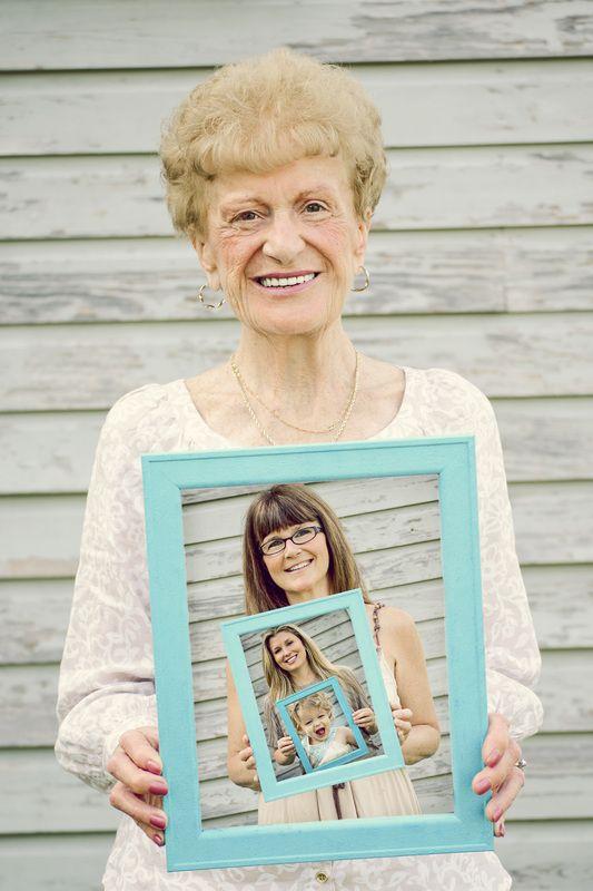 ritratto di famiglia coi nonni