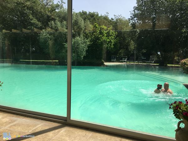 Mandra Edera piscina