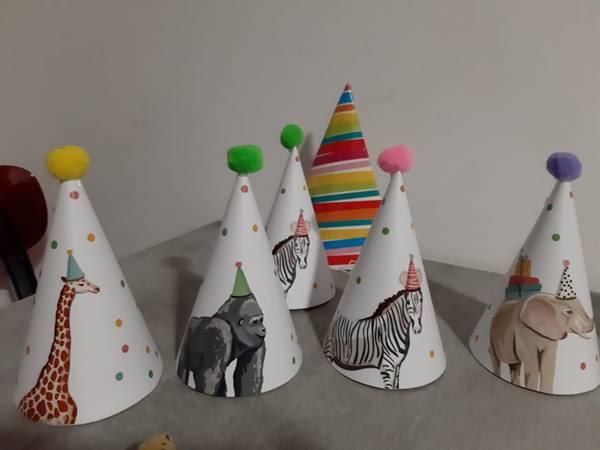cappellini per giungla party