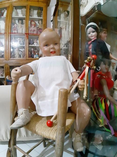 Bambolotto, automa da vetrina, di una reclame americana dei primissimi pannolini