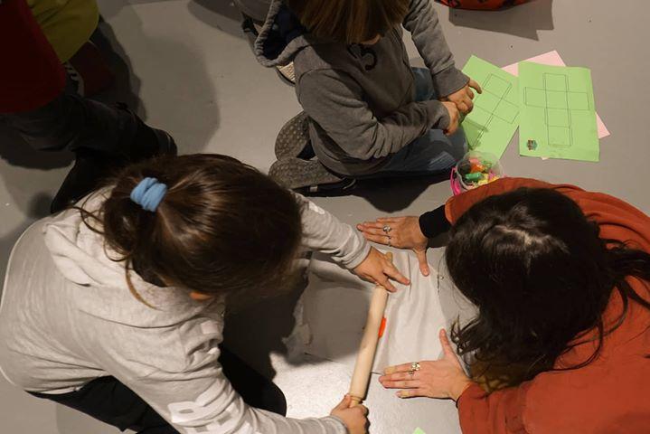 La rielaborazione e l interazione con la mostra in corso al Siotto